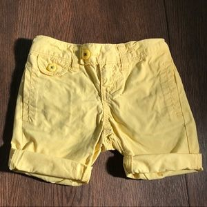 4/$20 Old Navy Yellow Cuffed Shorts Girls Size 5